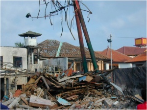 Nick Burgoyne's photo of the Sari Club ruins