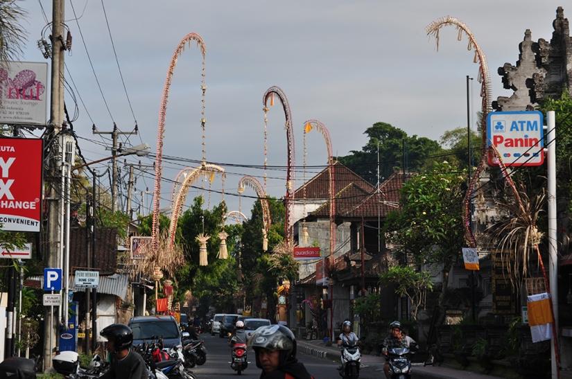 Jalan Raya Ubud, just after Galungan and Kuningan
