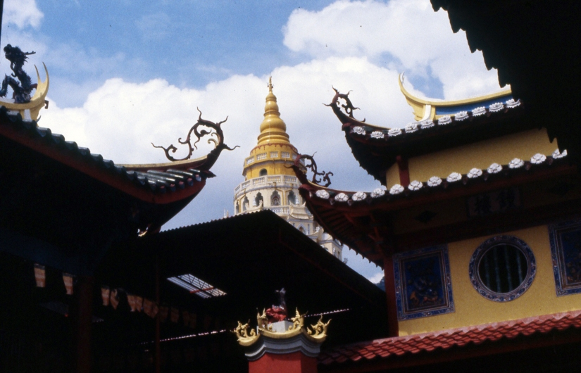 The Kek Lok Si Temple 极乐寺 Templer of Supreme Bliss, Penang. Visited in 1972