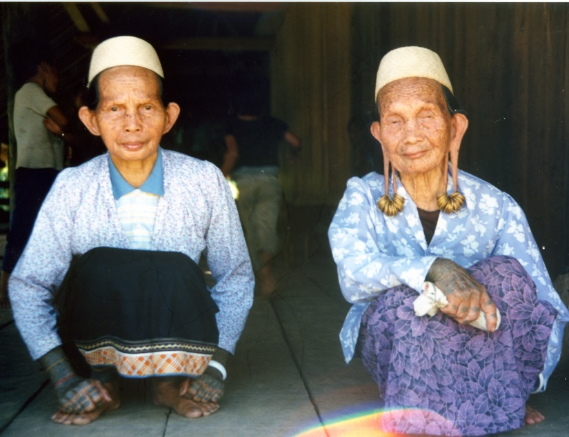 Grandmothers from Rukun Damai, 1988, from The River Guide